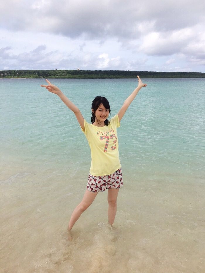 海を目の前にテンションが上がる生田絵梨花