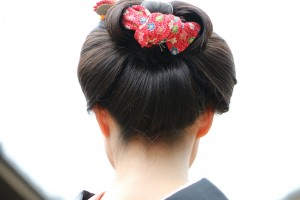 Traditional Japanese hairstyle in 17century