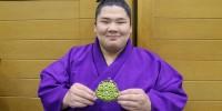 ついに新入幕、アクロバット相撲「宇良」の一番を見逃すな!