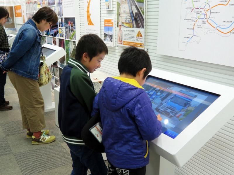 高速道路のヒミツを親子で楽しめる!『コミュニケーション・ プラザ川崎』がリニューアルオープン