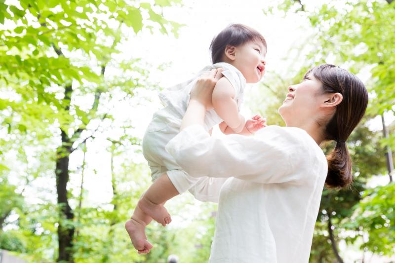 働く女性が安心して「子どもを産みたい」と思える社会になるには