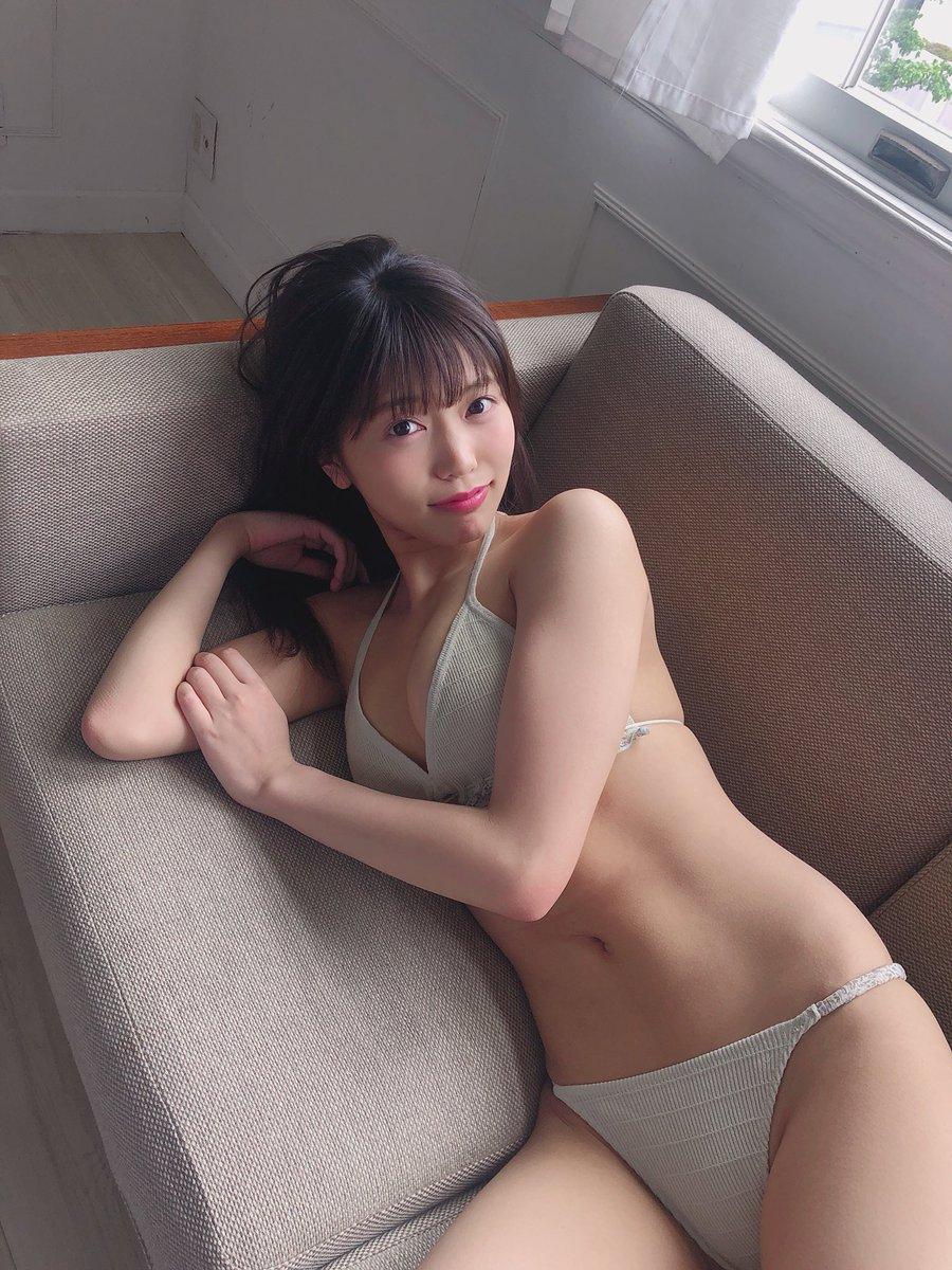 まねきケチャ・松下玲緒奈(19)、同棲気分になれるビキニショットに大反響!