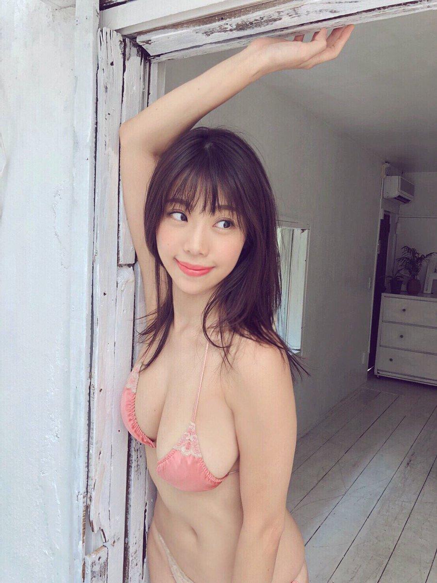鈴木ふみ奈 おっぱい 美尻 くびれ グラビアン魂 ビキニショット 画像