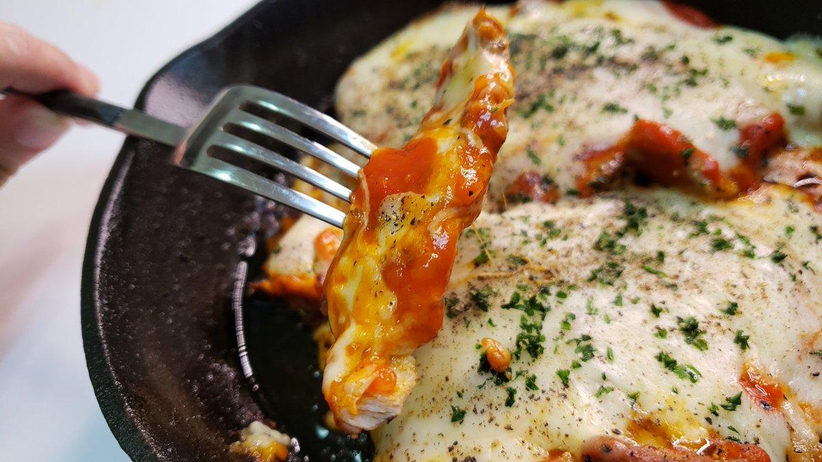 じゃがアリゴに続き新レシピ「肉ピザ」がバズり中!料理家・リュウジが生み出した「肉ピザ」とは?