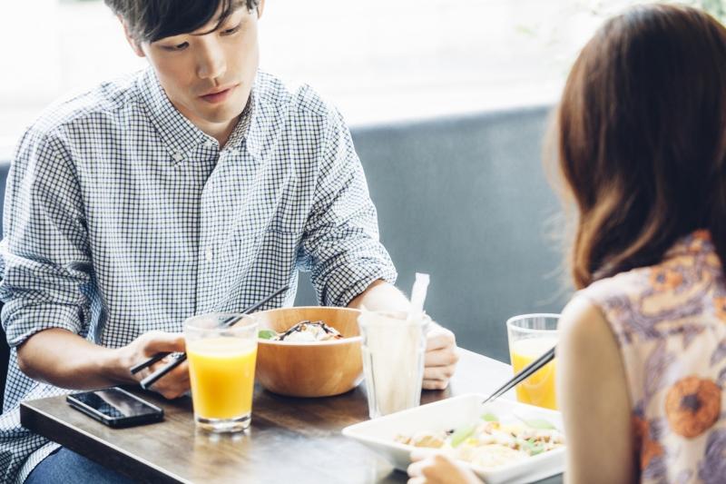 恥ずかしくて今更聞けない!女性が見ている「ご飯デート」での注意点