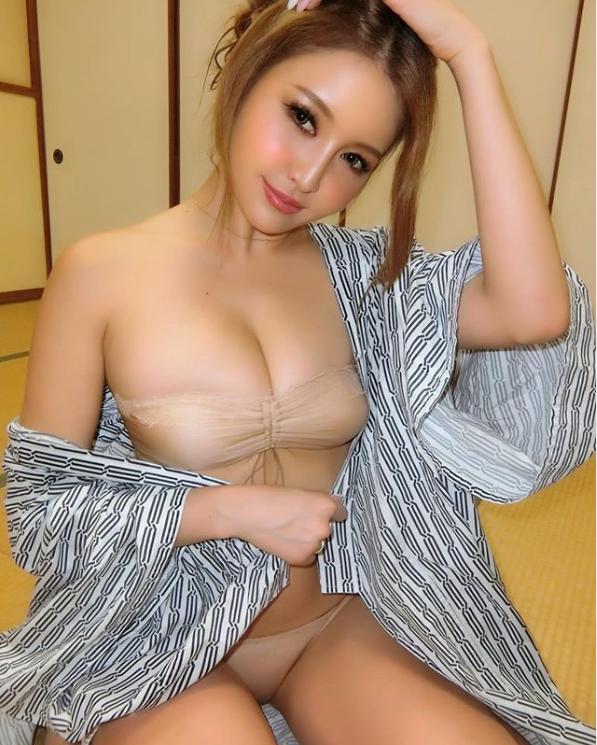 サイバージャパンダンサーズのメンバーがセクシーショットを大量披露しファン大興奮!