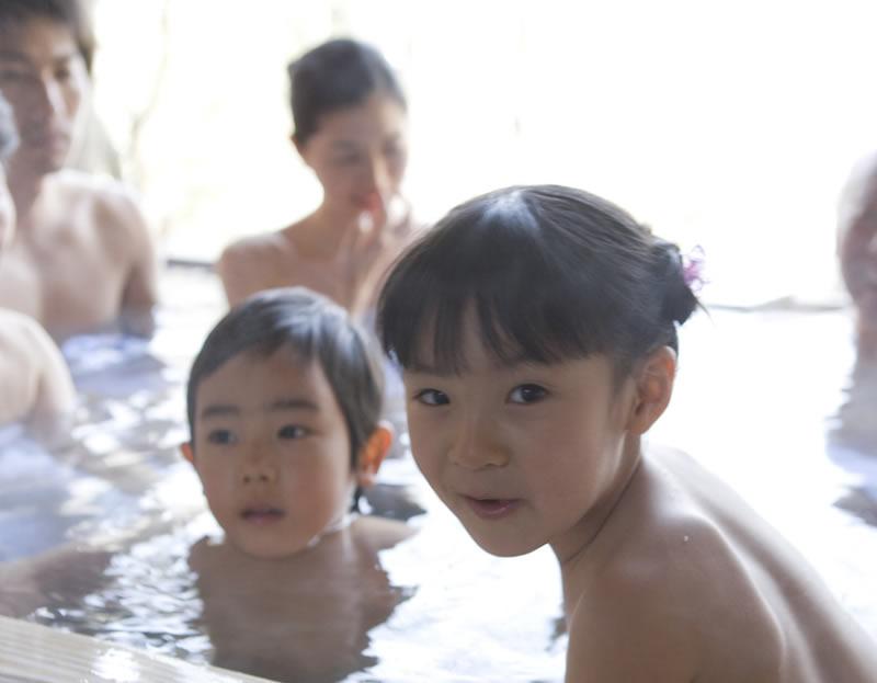 パパ、娘とのお風呂はいつ卒業しますか? スクールカウンセラーに聞く ...