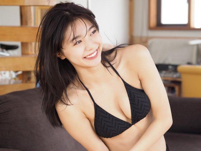 川津明日香(20)のビキニショットにファンから「綺麗すぎ!」「スタイル良すぎ!」と称賛の声!