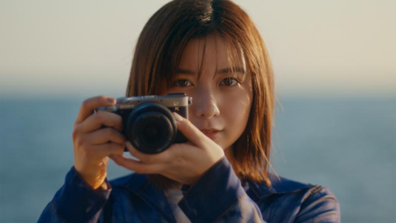 adieu(上白石萌歌)が自ら撮影した写真・動画で新作MVを制作!自身初の写真展も開催で新たな魅力開花