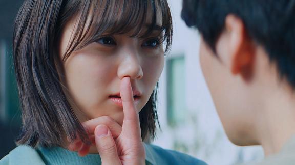 江野沢愛美が2 人の男性の間で揺れ動く女心を熱演!住宅ローン擬人化ラブストーリー『運命の借換』動画公開